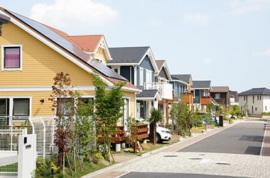 周囲の住宅環境に合わせた作業の徹底 説明イメージ(住宅街イメージPHOTO)